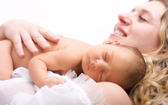 денежные выплаты при рождении ребенка в 2016 году