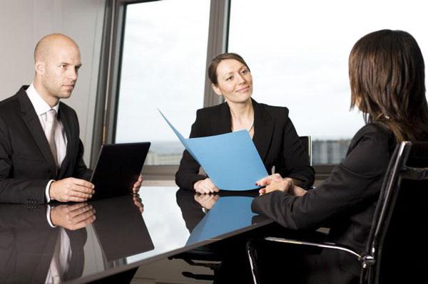 Сколько можно не работать после увольнения, чтобы не прервался стаж: когда и в какие сроки это происходит? || Если встаешь на биржу труда стаж прерывается